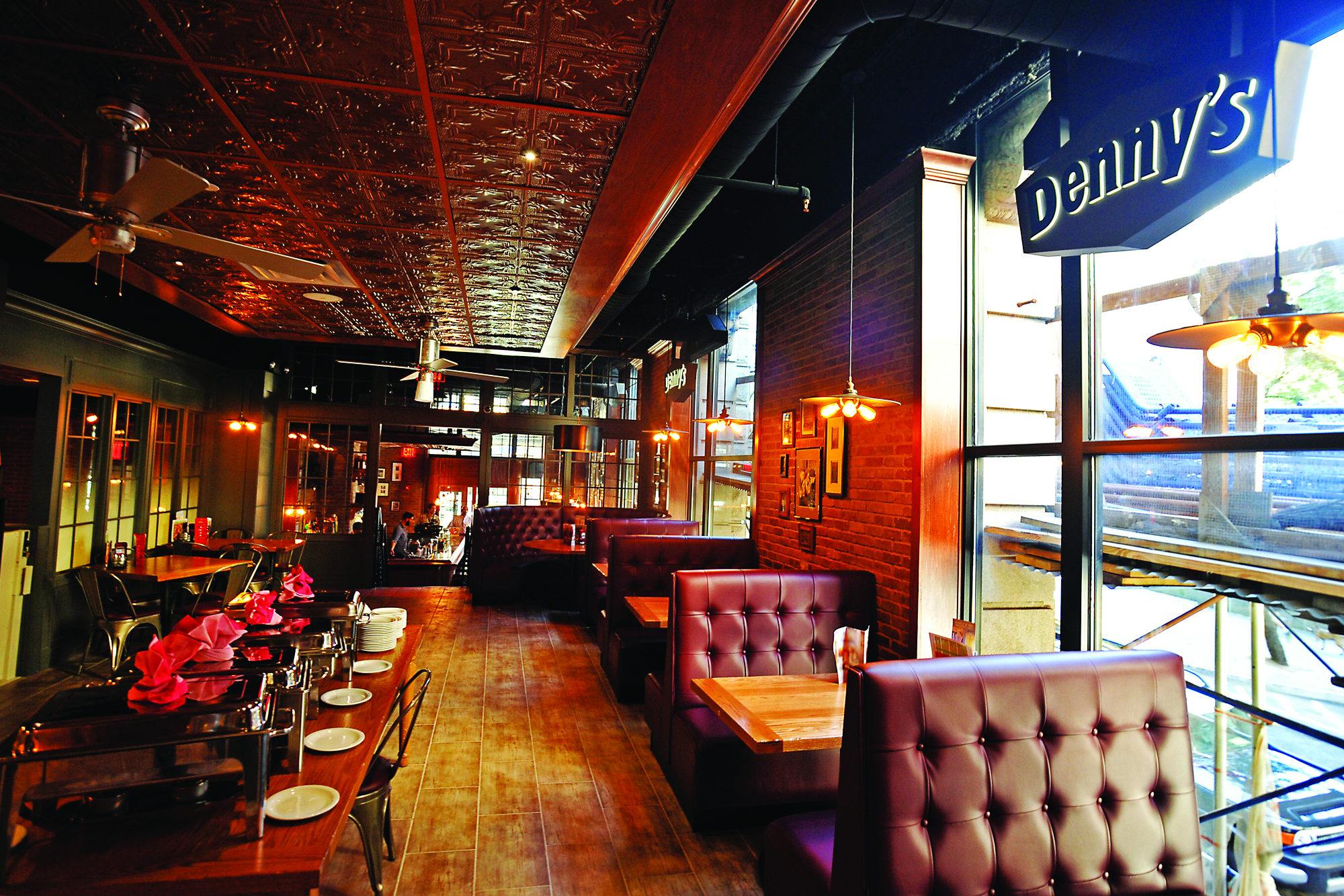 082814 The Denny's restaurant chain comes to Manhattan, 150 Nassau St., NYC. news MATT
